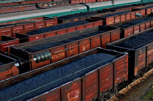 Зеленский приказал прекратить импорт угля и электроэнергии
